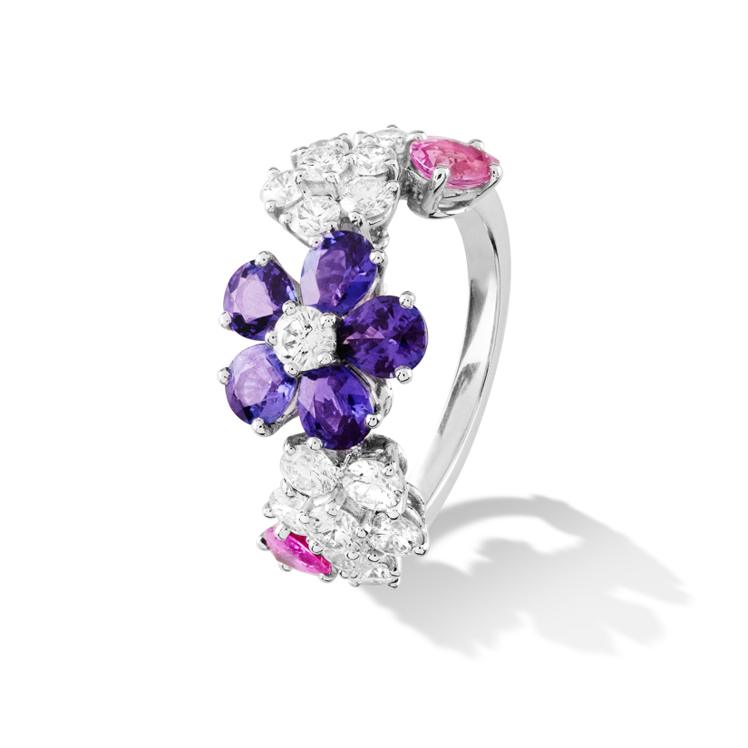 Folie des Prés ring, white gold, pear-shaped pink and mauve sapphires, round diamonds; diamond quality DEF, IF to VVS.