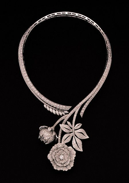 Paeonia necklace by Van Cleef & Arpels.