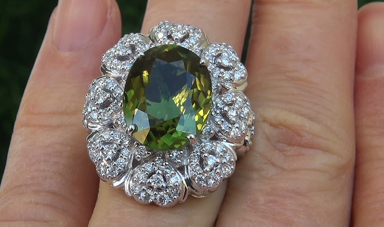 GIA 9.39 ct VVS1 Natural Chrome Green Tourmaline Diamond 18k White Gold Ring