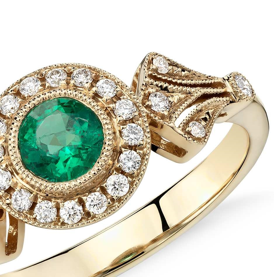 Emerald and Diamond Vintage-Inspired Milgrain Ring