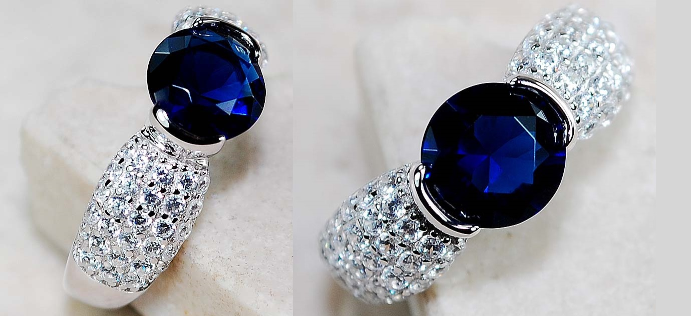 A Stunnig 2.0 Ct Blue Sapphire & White Topaz 925 Solid Sterling Silver Ring