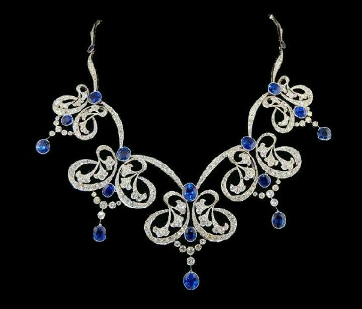 A Gorgeous Sapphire and Diamond Platinum Necklace
