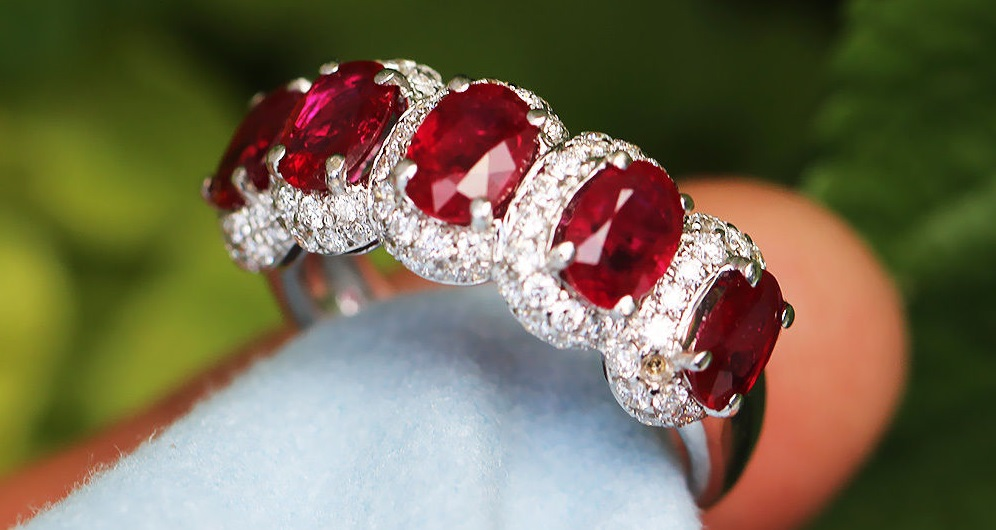 Oval Ruby Band with Diamonds in 18kt White Gold 3.16ctw